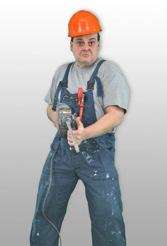Handwerkertypen - Der Aggressive. Sobald er den Blaumann anzieht, spricht man ihn besser nicht an.